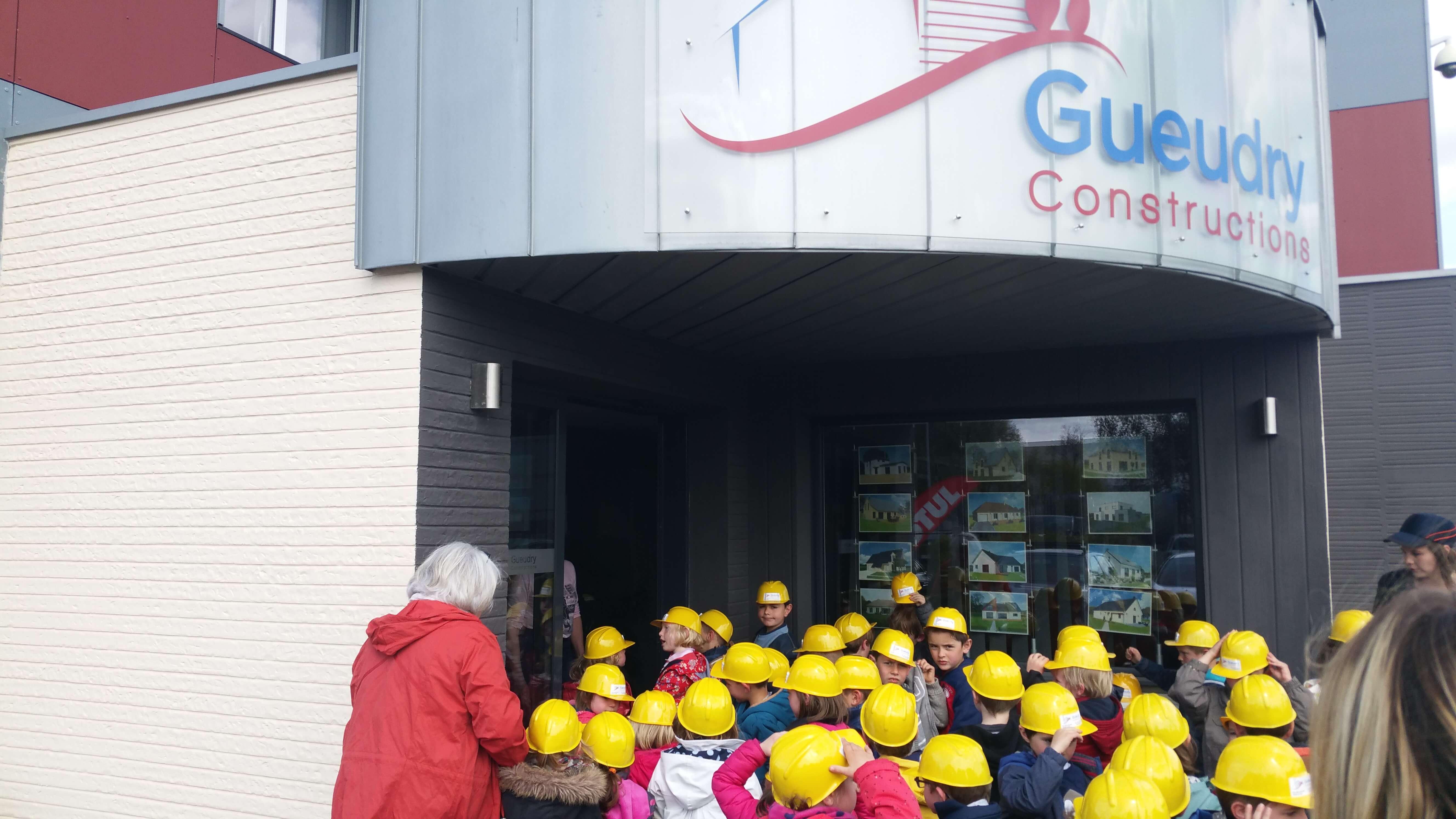Lentreprise gueudry constructions a eu le plaisir de recevoir mardi 25 avril 2017 dans le cadre dun projet pédagogique des classes de moyenne et grande