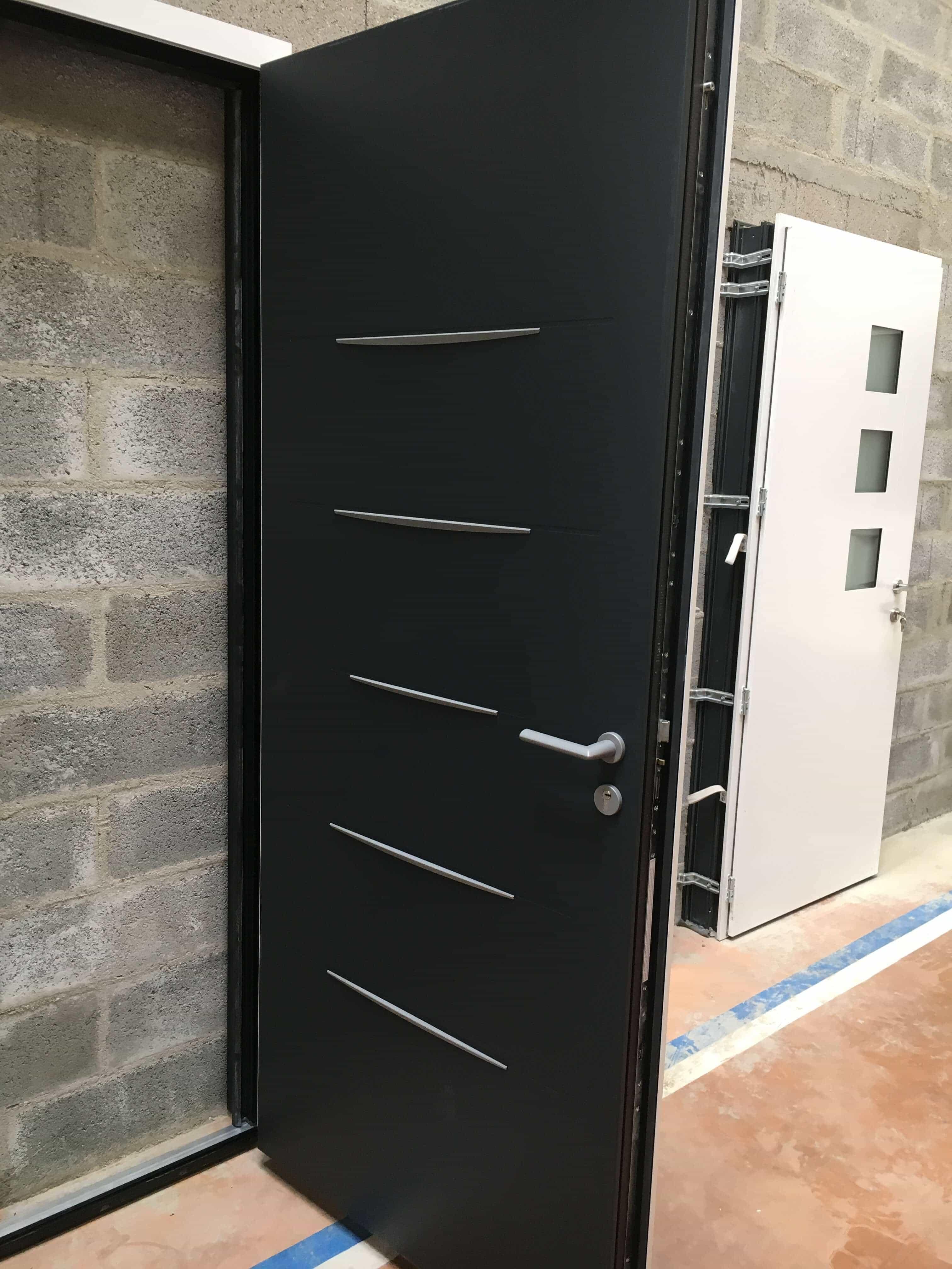 Gueudry lance une nouvelle gamme de portes ext rieures for Porte de garage bel m